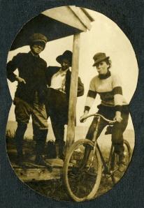 Banner 5 - Fbc- crossdressing Bike IMG034 AHM