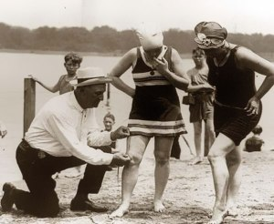 1920s measuring bathing suitold-historic-photos-241__605