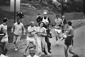 Kathrine Switzer 1967 first to finish Boston Marathonold-historic-photos-81__605
