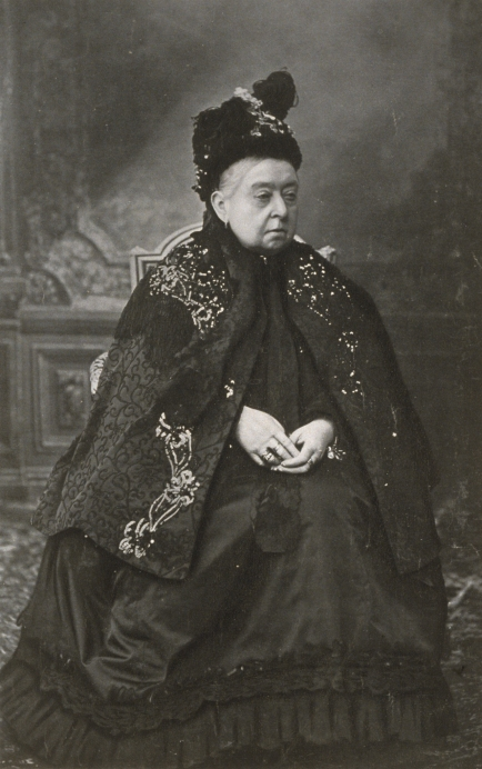 Queen-Victoria-Her-Latest-Portrait-1900_tr_4643_566